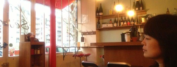 Sésame Restaurant is one of Paris.