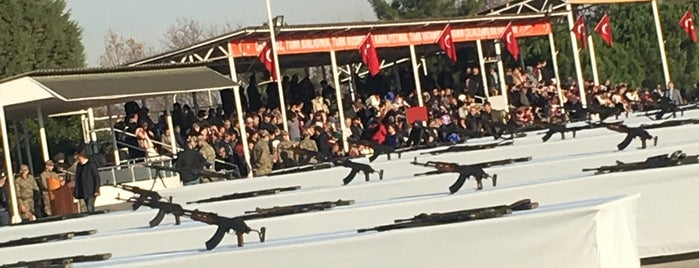 15. Piyade Eğitim Tugayı Çavuş Eğitim Tabur Komutanlığı is one of Samsun.
