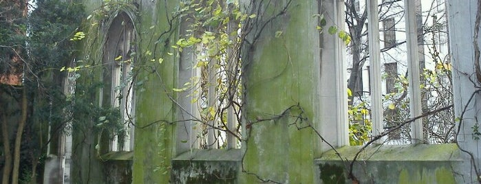St Dunstan in the East Garden is one of London list.