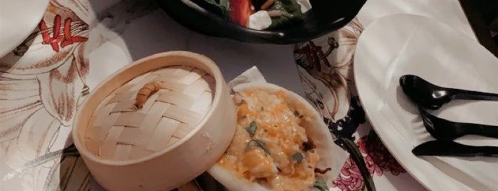 La Terrasse Cafe is one of Queen'in Kaydettiği Mekanlar.