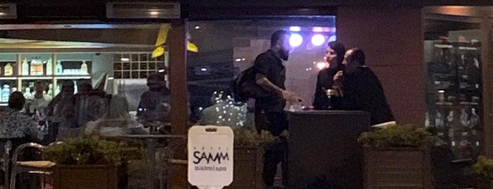 SAMM's Bistro is one of bar.