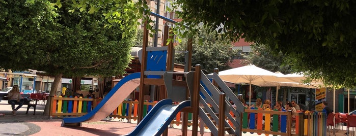 Plaza Navarro Rodrigo is one of Guide to Alicante's best spots.