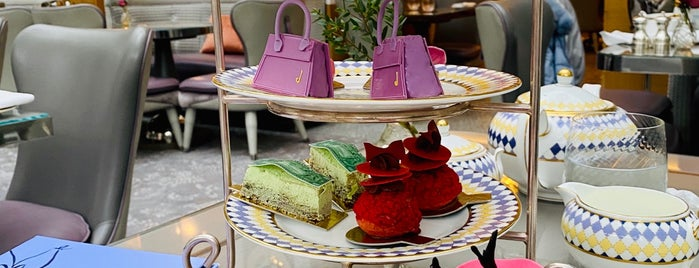 Afternoon Tea at The Berkeley is one of London☕️🍫🍨.
