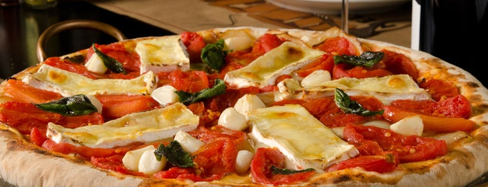 Pizzaria Nella Pietra is one of Montanhas RS e SC.