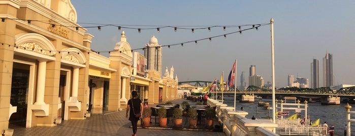 Yodpiman River Walk is one of Huang'ın Beğendiği Mekanlar.