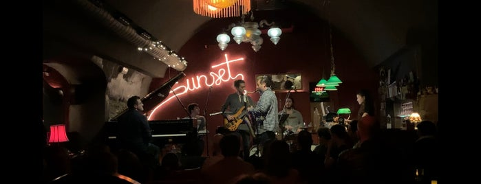 Sunset Jazz Club is one of Girona.