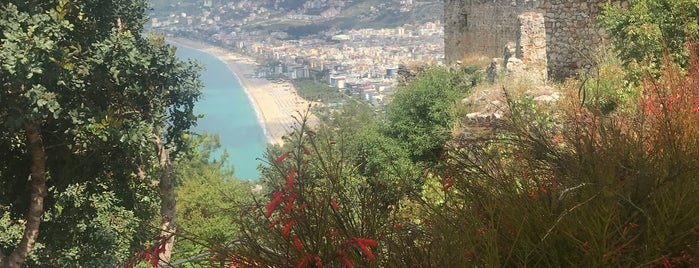 Gardenia Restaurant&Cafe Bar is one of Antalya.