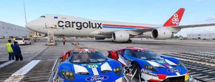 Cargolux Maintenance Hangar is one of Locais curtidos por Fernando.