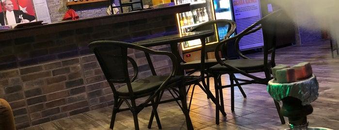 Seker Cafe&Bar is one of EL CLASİCOVİP'in Beğendiği Mekanlar.