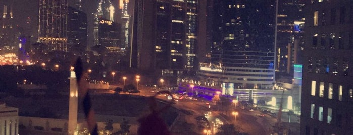 Luna Sky Bar is one of Dubai.