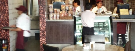 Cafe Society is one of Locais curtidos por Katya.