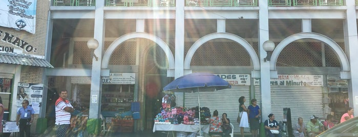 Mercado 5 Mayo is one of Tempat yang Disukai Osiris.