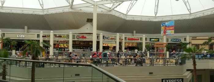 Rolling Oaks Mall is one of Rachel 님이 좋아한 장소.