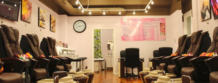 Rainbow Nail Spa is one of Lieux qui ont plu à Abby.
