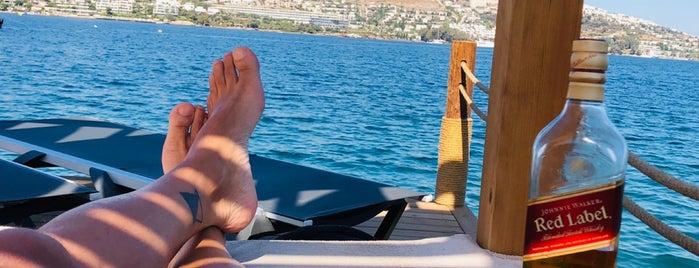Vita Bella Beach is one of Yasin'in Beğendiği Mekanlar.