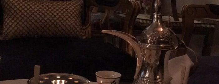 MEEM CAFE is one of Queen'in Kaydettiği Mekanlar.