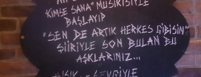 Tiyatro Cafe is one of Posti che sono piaciuti a Fadik.