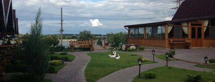 Рибацький Хутір is one of загород.