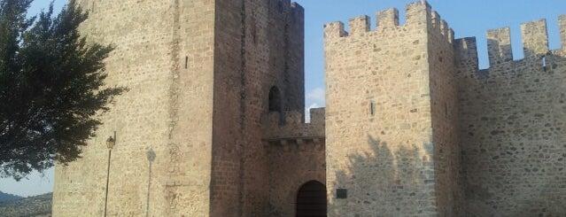 Castelo de Elvas is one of สถานที่ที่ Miguel ถูกใจ.