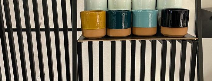 7 Cups - Specialty Coffee is one of Lugares guardados de Queen.