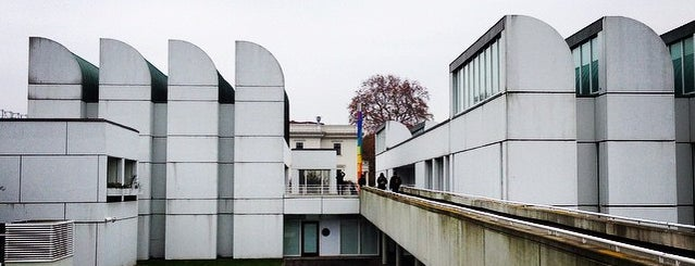 Bauhaus-Archiv is one of Berlin.