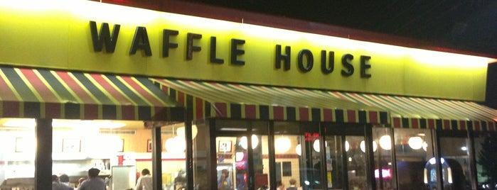 Waffle House is one of Jay : понравившиеся места.