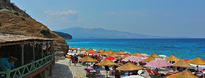 Plazhi Pasqyrat (Mirrors Beach) is one of Dalmaçya 101.