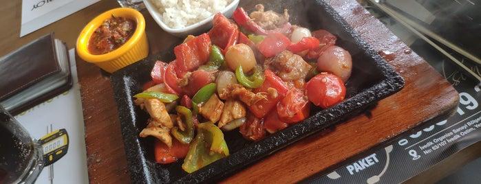 Kebabiye Cafe is one of สถานที่ที่ •slnaras• ถูกใจ.