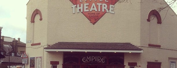 Chorley Little Theatre is one of Locais curtidos por Scott.