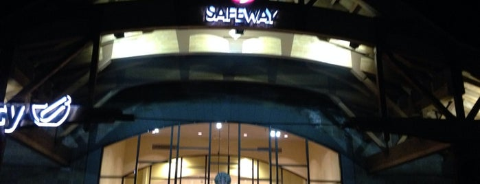 Safeway is one of Locais curtidos por Harsh.