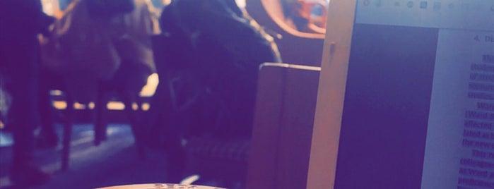 Costa Coffee is one of Reyna 님이 좋아한 장소.