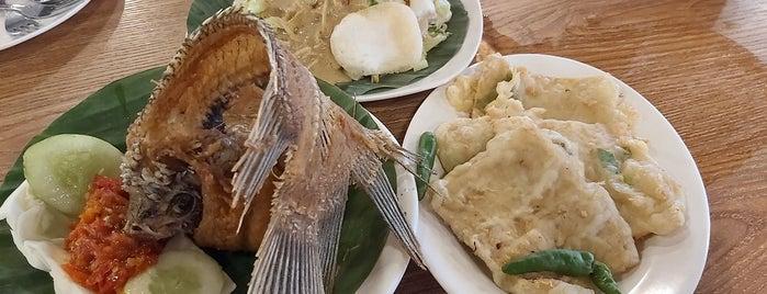 Kampung Kecil is one of Kuliner Bekasi.
