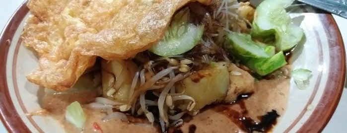 Ketoprak Asep Gerage is one of Kuliner Bekasi.
