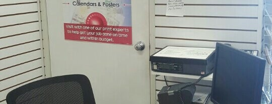 AIM Mail Center is one of Lugares guardados de Kristen.
