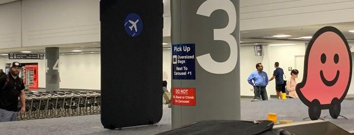 Baggage Claim is one of สถานที่ที่ Gregory ถูกใจ.