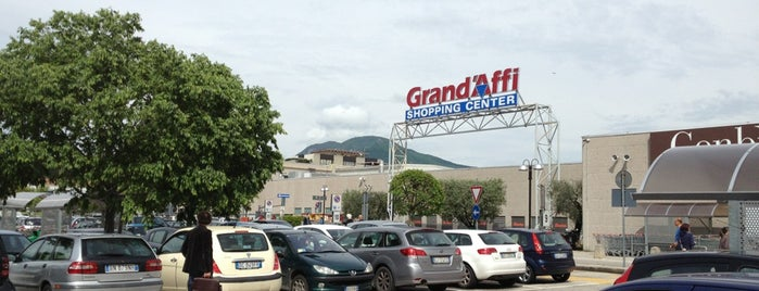 Grand'Affi Shopping Center is one of Posti che sono piaciuti a Silvia.