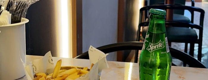 Burger Lounge is one of Restaurants | Riyadh 🍽💙.