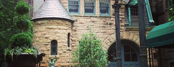 Richard H. Driehaus Museum is one of TWH.