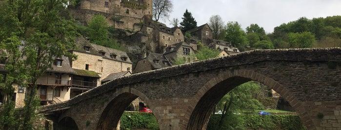 Belcastel is one of Les plus beaux villages de France.