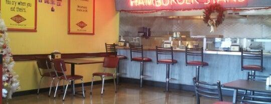 Fatburger is one of Lugares favoritos de Ryan.