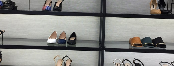 Charles & Keith is one of Lugares guardados de Hiromi.