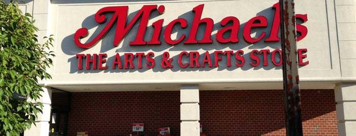 Michaels is one of Tempat yang Disukai Holly.
