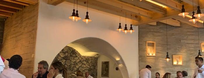 Estiatorio Nostos is one of Orte, die Paco gefallen.