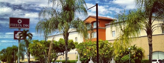 Fiesta Inn is one of Locais curtidos por Oscar.