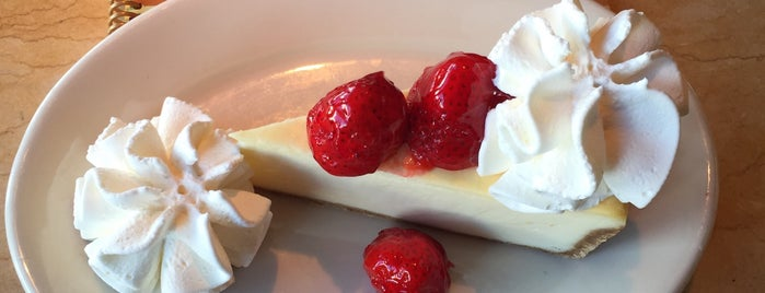 The Cheesecake Factory is one of 🇺🇸 Los Angeles | Hotspots.