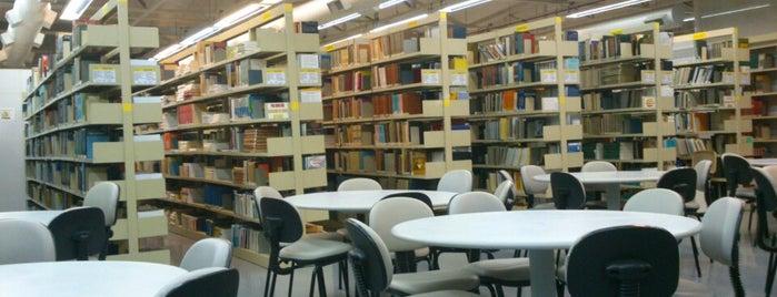 Biblioteca is one of Puc Campinas.