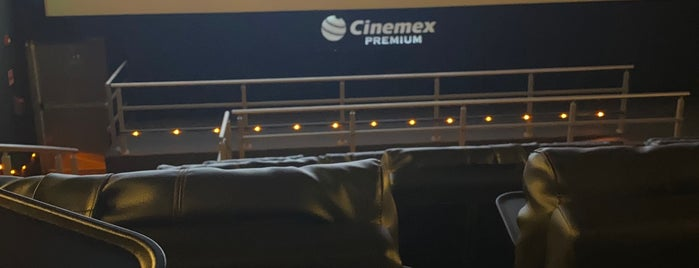 Cinemex Premium Up Town is one of Tempat yang Disukai Joaquin.