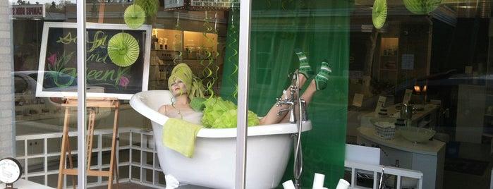 Bath Junkie is one of Orte, die Justin gefallen.