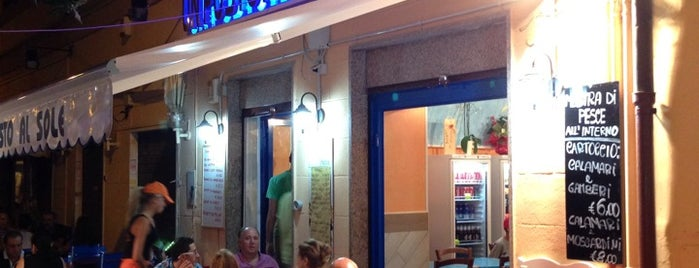 Fish Take Away is one of Street Food ROMA.