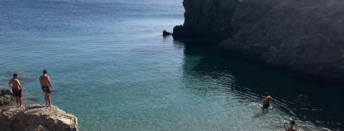 Μπλέ Λιμανάκι is one of Lovely secrets @ Athens & Greece.